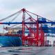 Containerriese hat am Jade-Weser-Port festgemacht