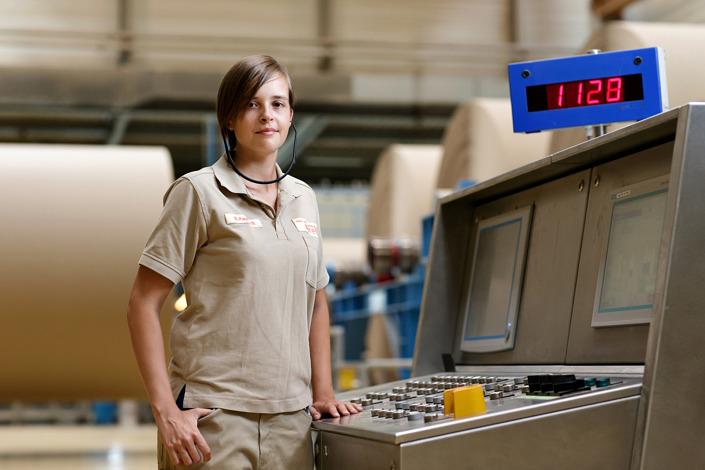 Mitarbeiter-Portrait Papiertechnologin