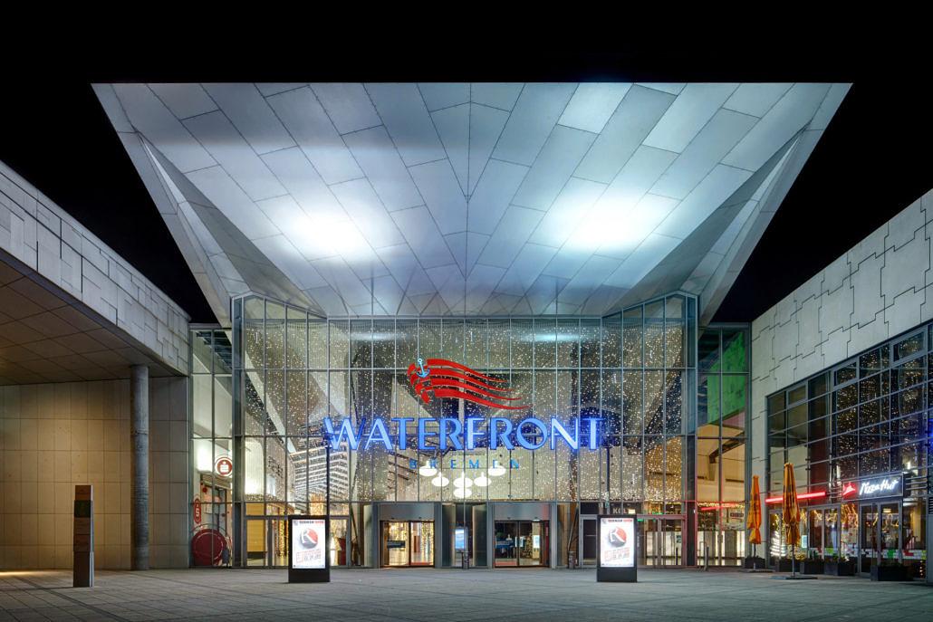 Aussenansicht Einkaufszentrum Waterfront Bremen im Bremer Ortsteil Industriehaefen